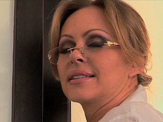 Cheating Housewife Mellanie Monroe Be captivated by